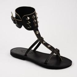 Sandales Alicia cloutées couleur noir / Semelle Caoutchouc